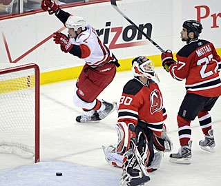 Eric Staal exults in celebration after scoring the winning goal with just 32 ticks left in regulation. (AP)