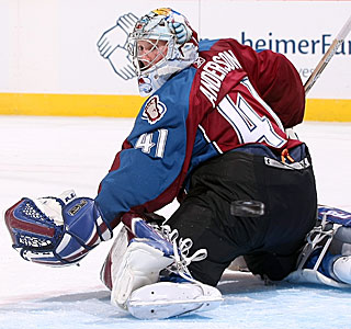 Craig Anderson stops 35 shots to record his first shutout for the Avalanche. (Getty Images)