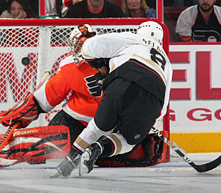 Teemu Selanne is the only one to find a way to put the puck past Ray Emery in the shootout. (Getty Images)