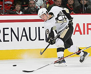 Tyler Kennedy unloads a slap shot and gets his second goal of the second period.  (Getty Images)