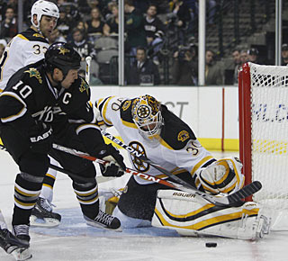 Tim Thomas turns away everything coming his way to earn his first shutout of the season. (US Presswire)