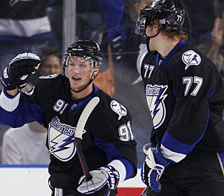 Steven Stamkos nets two goals in a game for the third time this season and has goals in four straight. (AP)