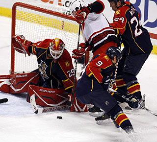 After shutting out the Blues, Tomas Vokoun manages another perfect game with 32 saves.  (AP)