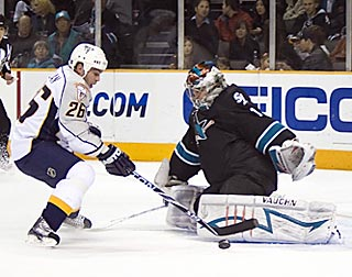 San Jose's Thomas Greiss denies Steve Sullivan in the first period for one of his 23 saves.  (US Presswire)