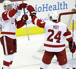 Justin Abdelkader, who hadn't scored in six games, caps the scoring late in the third. (AP)