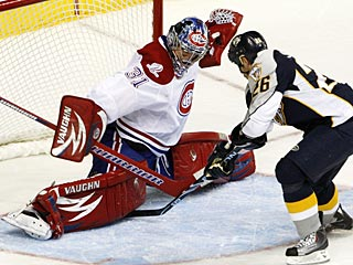 Steve Sullivan's first-period goal is the only one the Preds need, but he adds a 2nd for good measure. (AP)