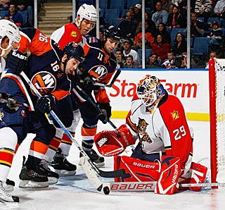 While his teammates rack up goals, Florida goalie Tomas Vokoun stops 30 of 31 shots.  (Getty Images)