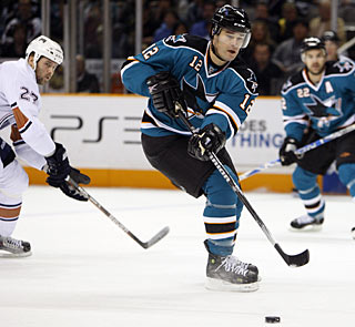 Patrick Marleau continues his scoring pace, with seven goals in the last eight games. (AP)