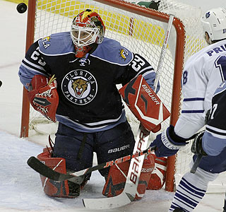 Panthers goaltender Tomas Vokoun stops 39 shots for his second shutout in six days. (AP)