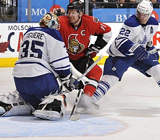Giguere is the first goalie in Maple Leafs history to win his first two games by shutout. (Getty Images)