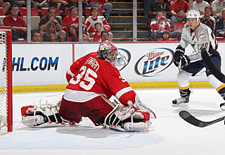 Nashville's Ryan Suter beats Red Wings goalie Jimmy Howard 16 seconds into overtime.  (Getty Images)