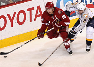Shane Doan gets his first goal since Jan. 31, a span of 23 games. (Getty Images)