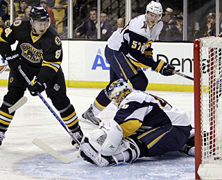 Miroslav Satan helps the Bruins' cause with his third goal in as many games. (AP)