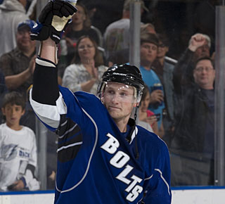 Steven Stamkos acknowledges the fans after his milestone accomplishment. (Getty Images)