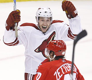 Wojtek Wolski celebrates his second-period goal to help the Coyotes force a Game 7.  (AP)