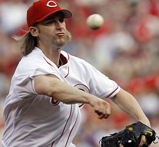 Bronson Arroyo gives up just five singles in 7 2/3 innings on the mound. (AP)