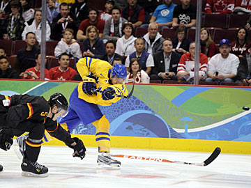 Sweden Shuts Out Germans 2-0