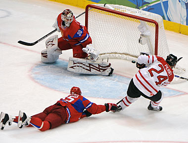 Corey Perry upstages a bunch of much bigger names and scores two goals for Canada. (US Presswire)