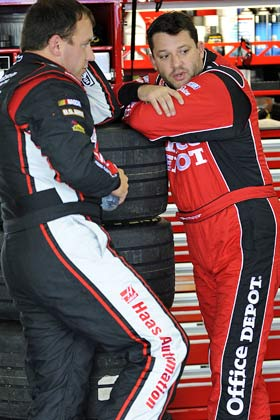 Ryan Newman and Tony Stewart both qualified for the Chase in 2009. (Getty Images)