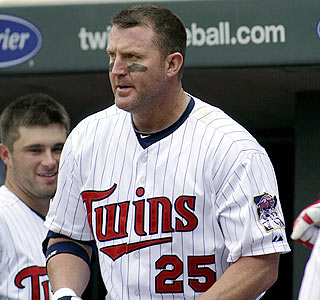 Jim Thome smacks two homers against the Rays to move into 10th place on the career homer list.  (AP)
